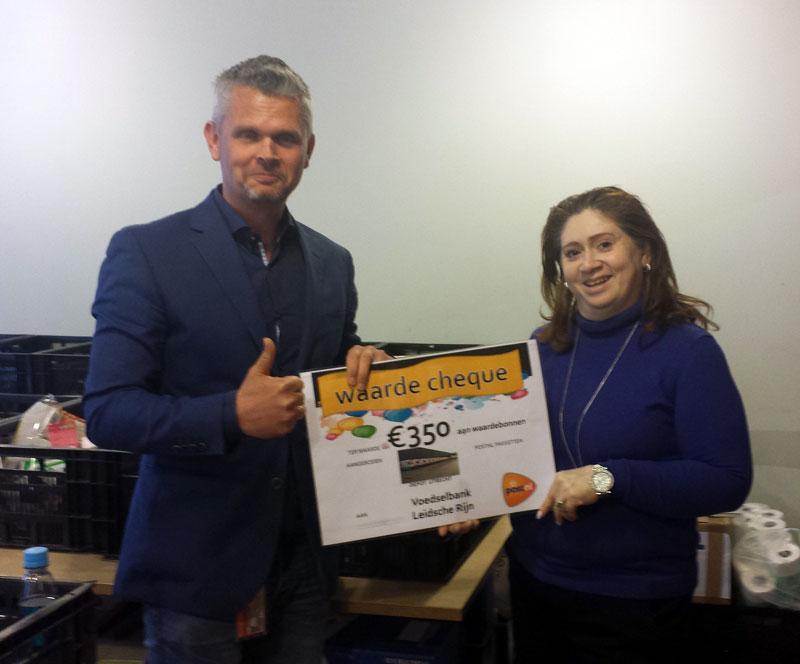 Een mooie cheque ontvangen van PostNL Utrecht!